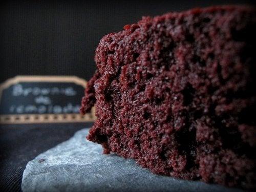 Brownies de chocolate con remolacha, ¡sin azúcar ni harina!