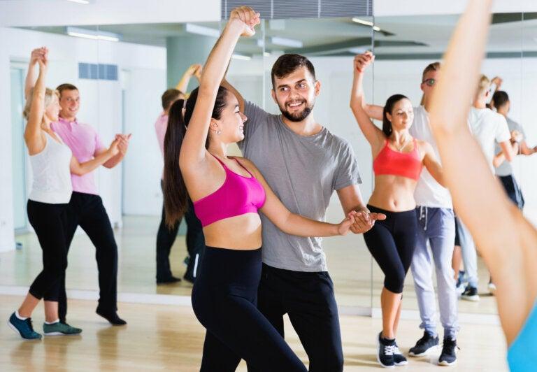 5 bailes que te ayudarán a tonificar piernas, glúteos y muslos