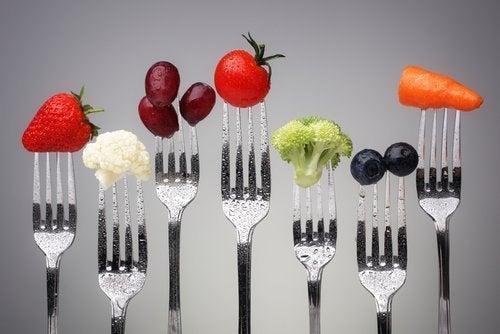 Tenedores con alimentos