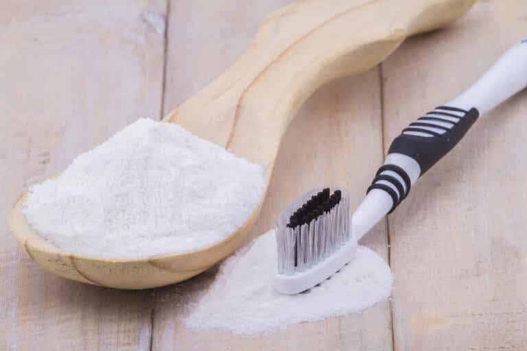 ¿Bicarbonato de sodio para tratar los hongos en las uñas?