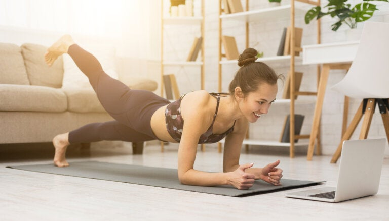 Ejercicio: desafío del plank de 28 días para reducir vientre