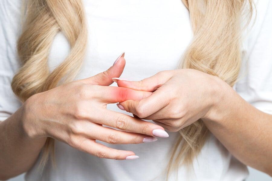 ¿Te duelen las articulaciones? ¡Estas podrían ser las causas!