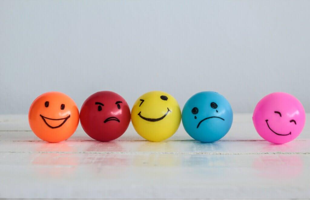 Colores distintos y emociones.