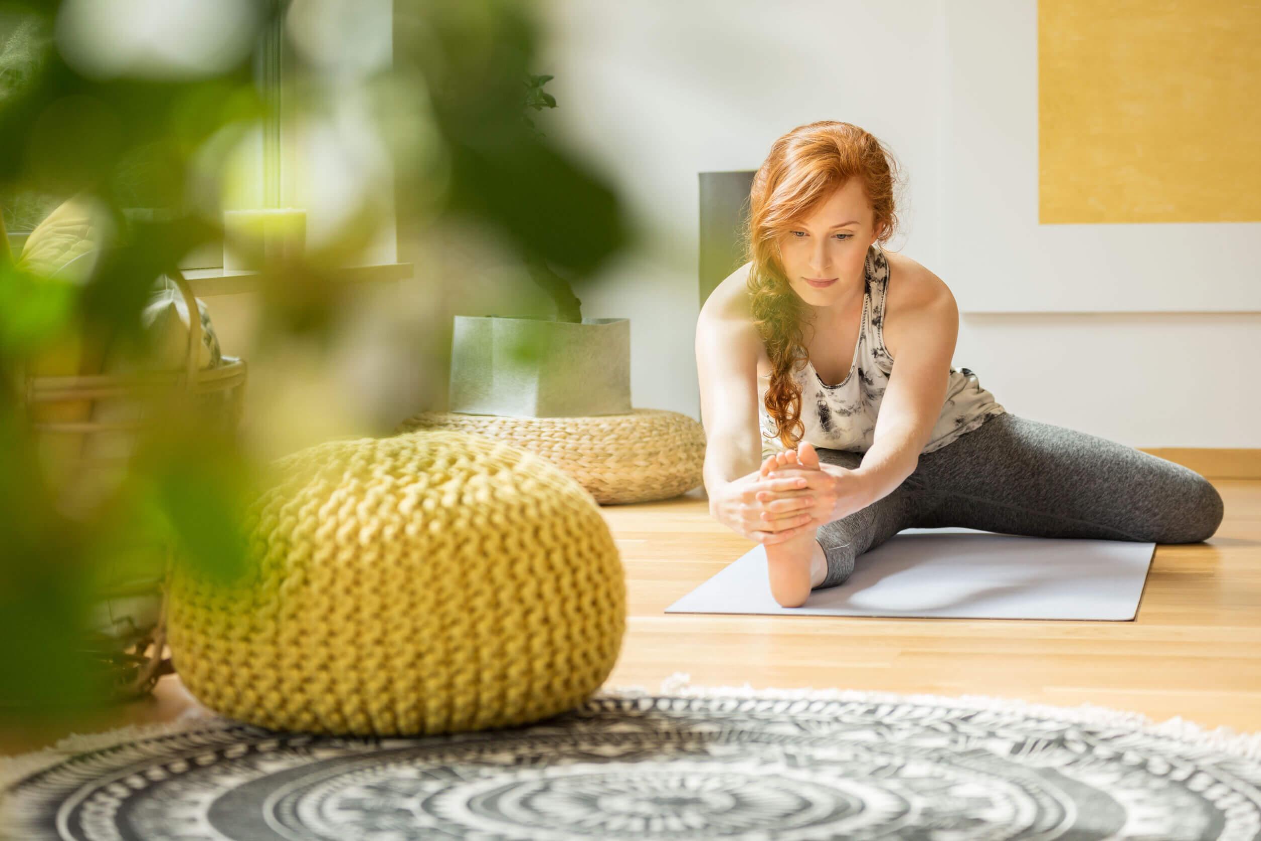 Para reducir los michelines es conveniente estirar antes de los ejercicios.