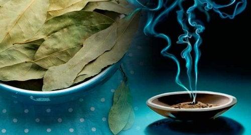 Para que sirve el te de laurel y manzanilla