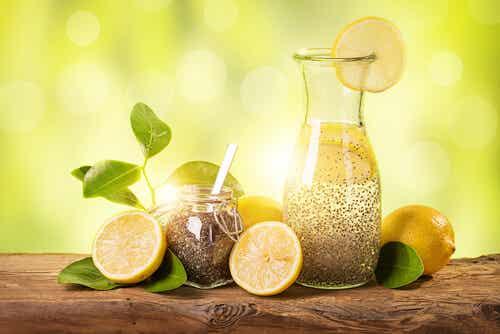 Cómo perder peso en un mes con limón, jengibre y chía