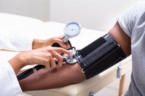 Según un estudio, cuidar de nuestra tensión arterial reduciría el desarrollo de demencias