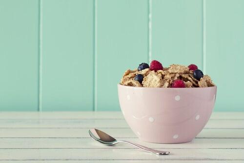 Por qué no hay que saltarse el desayuno