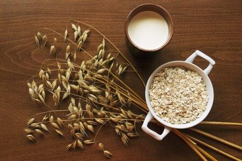 Cereales de avena y leche de avena