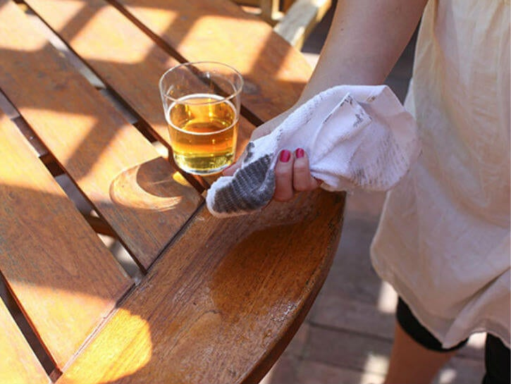 cerveza limpiar madera