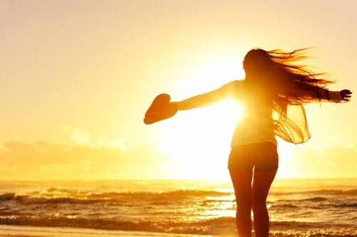 5 cosas que debes dejar ir para tener más éxito y felicidad