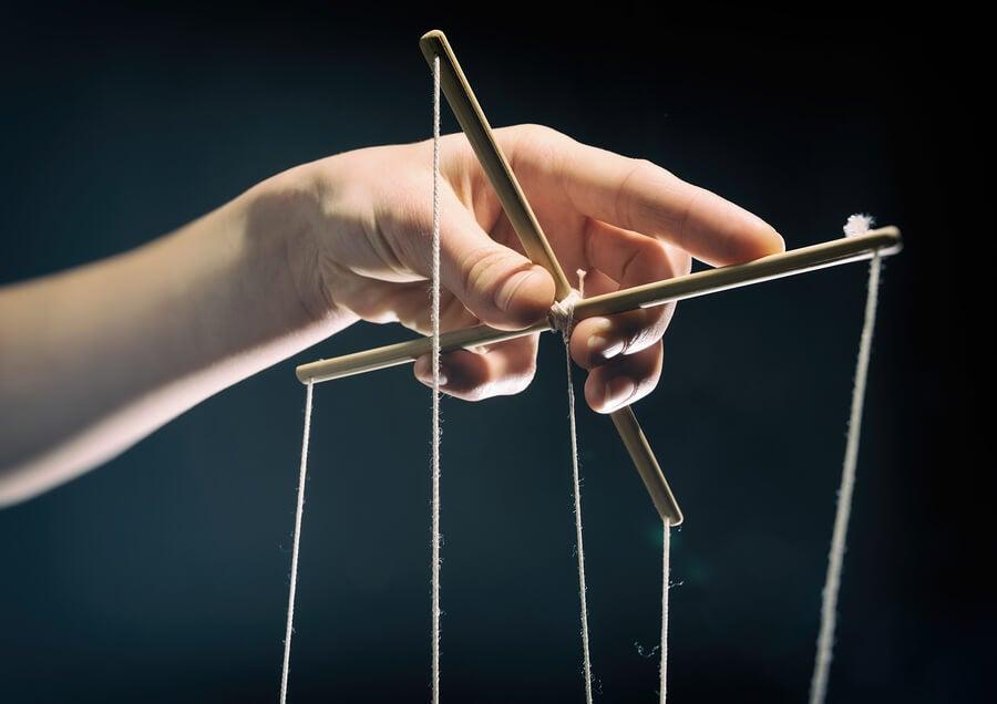 7 estrategias de manipulación que utilizan las personas que maltratan