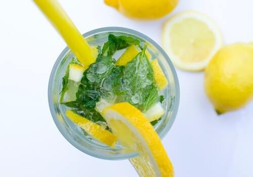 Canela y limón pueden combinarse muchas maneras.