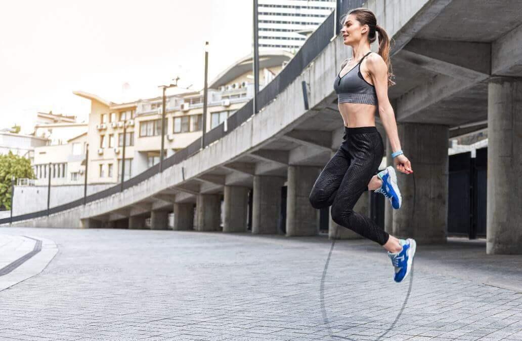 Saltar la cuerda: un ejercicio aeróbico con beneficios para la salud