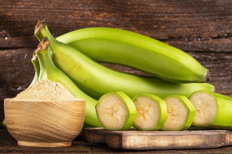 7 beneficios a la salud de los plátanos verdes