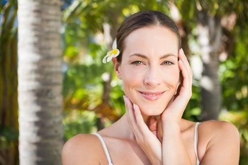 5 hábitos que están atentando contra tu belleza y tu salud