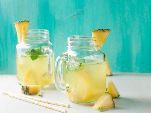 6 beneficios del agua de piña que debes aprovechar