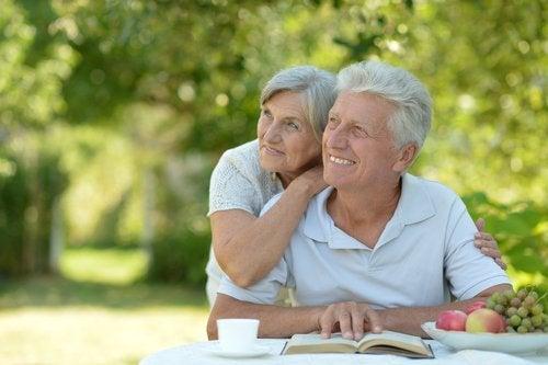 Cómo envejecemos hombres y mujeres en lo biológico