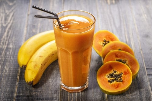 Jugo de plátano y papaya