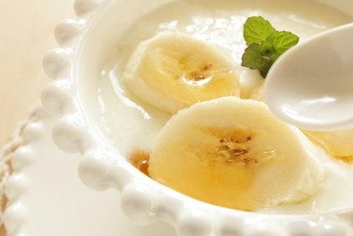 Mascarilla de yogur, miel y plátano