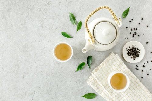 5 beneficios que obtendrás al tomar té blanco en tu desayuno
