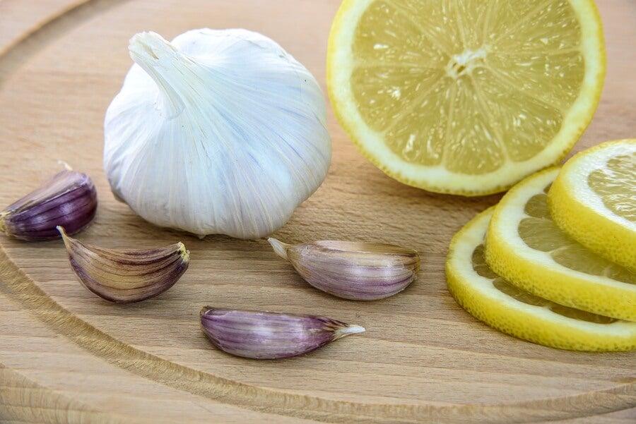 Se Puede Eliminar Las Verrugas Con Este Tratamiento De Ajo Y Limón Mejor Con Salud
