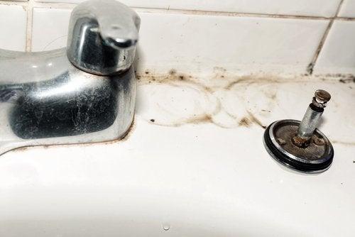 5 consejos para limpiar los grifos del hogar