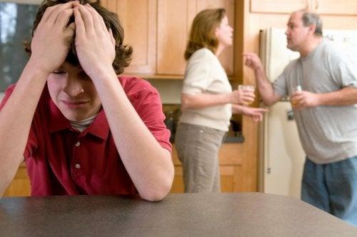 padres-discutiendo