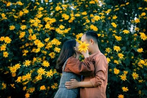 El amor necesita cuidarse de raíz para que florezca cada día