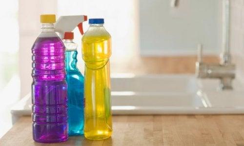 Tóxicos que se esconden en los productos de limpieza