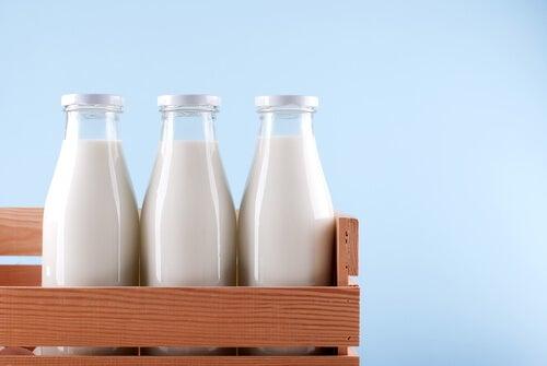 Sustituir la leche con lactosa.