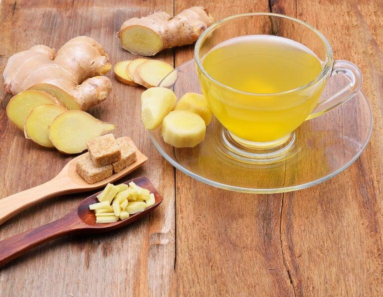 Combate las infecciones y disuelve los cálculos renales con este té especial de jengibre