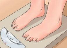 12 hábitos nocturnos que te hacen subir de peso