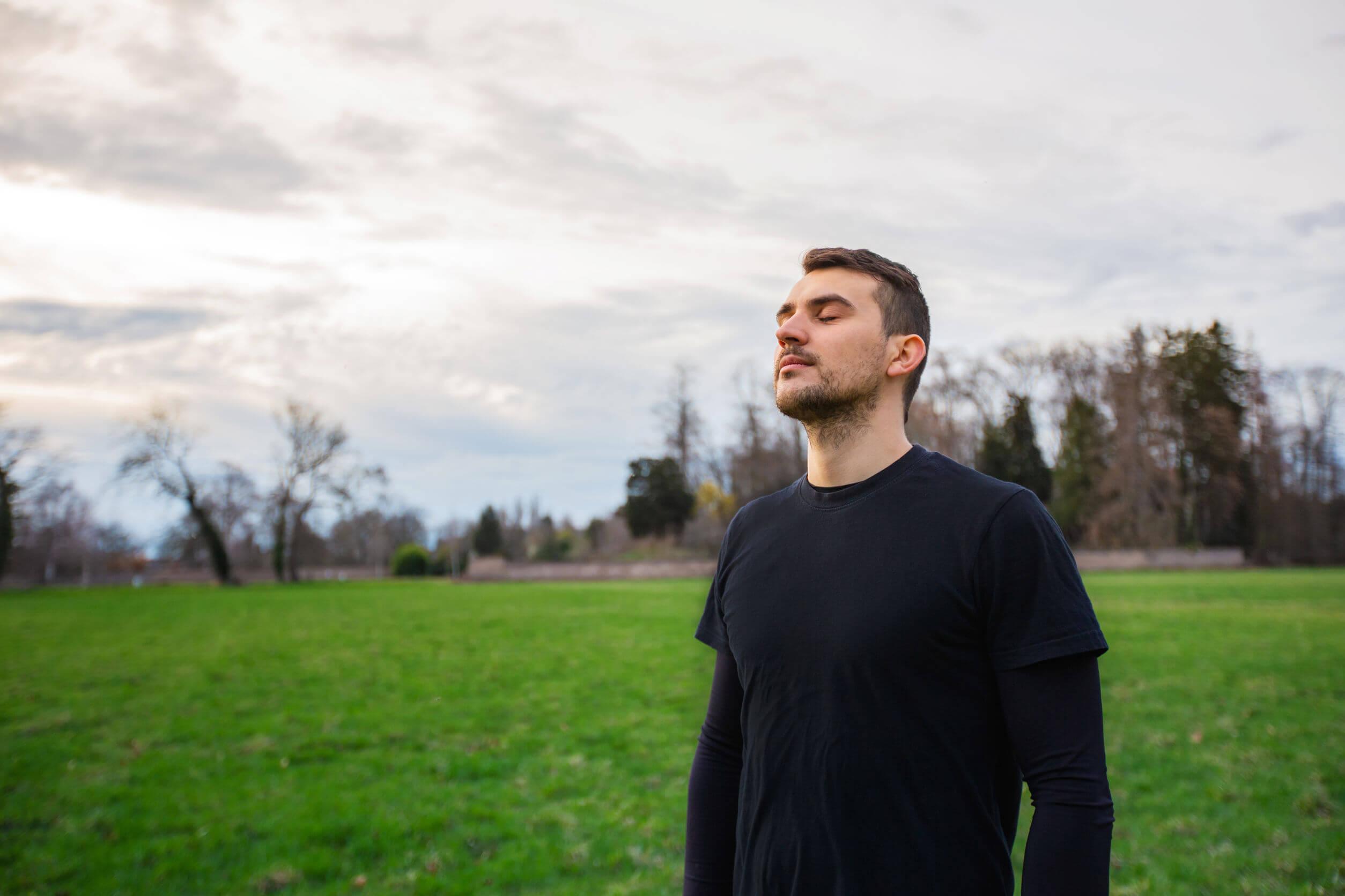 Algunas técnicas de respiración permiten despejar la mente.