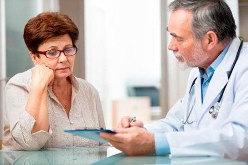 Continúa confundiendo a la comunidad médica