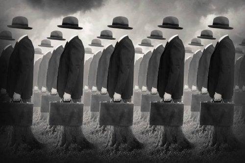 Hombres invisibles con maletín