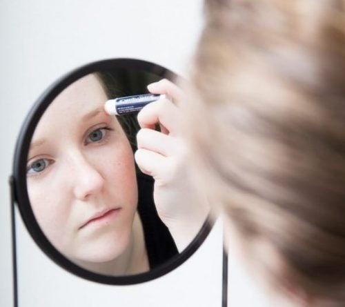 립밤을 다른 용도로 활용하는 방법 10가지
