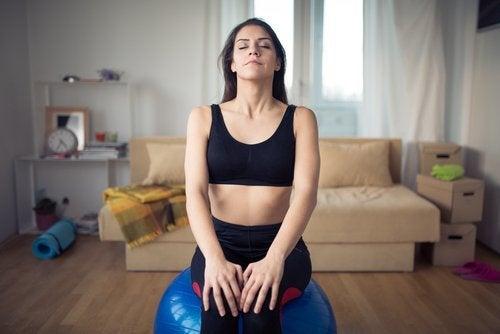 Mujer controlando la respiración