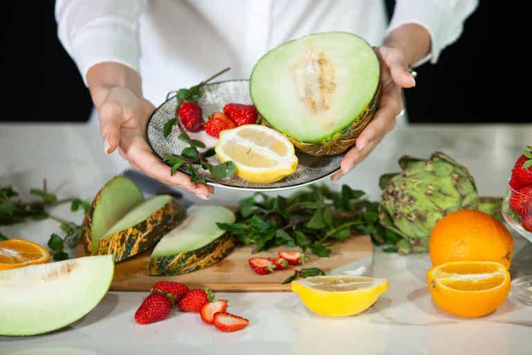 9 frutas para hidratar tu cuerpo naturalmente