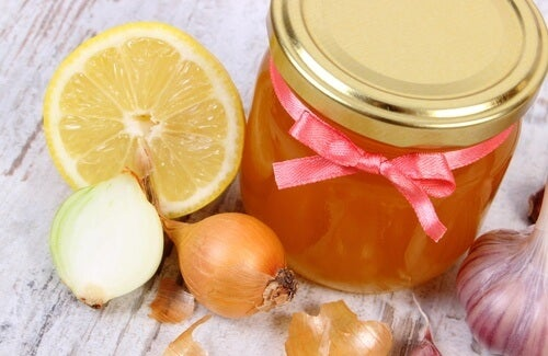 Jarabe expectorante con miel y cebolla