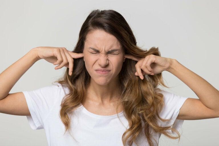 4 cosas que nunca debes hacerle a tus oídos
