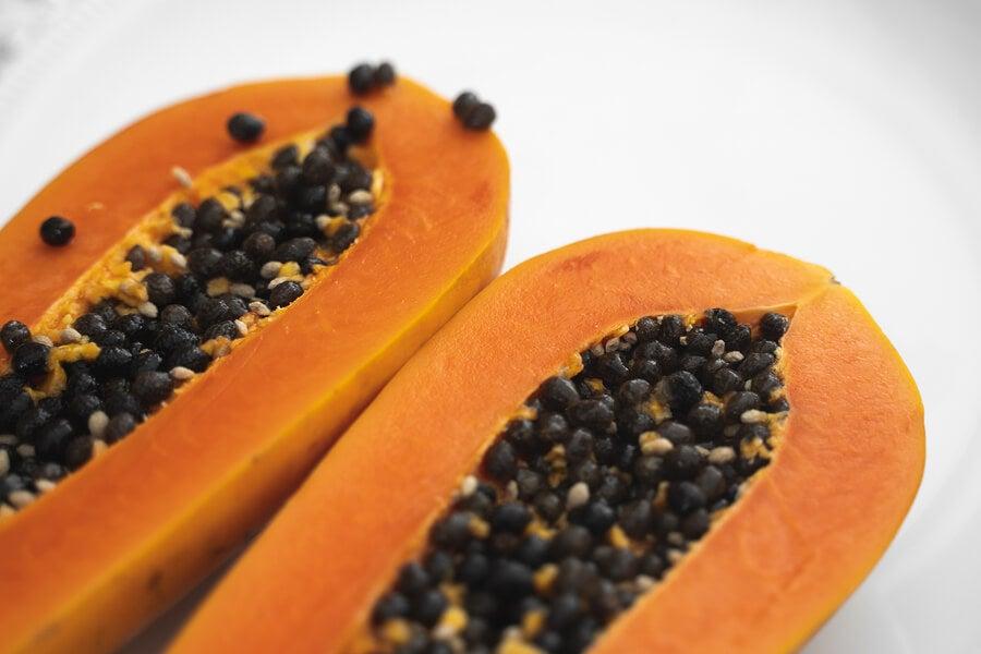 Papaya para eliminar los talones agrietados