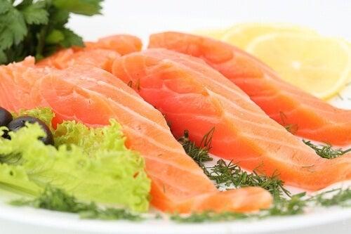 Salmón y otros pescados azules para la salud intestinal
