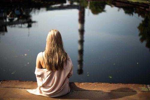Buscar un espacio para relajarnos puede ayudarnos a calmar los nervios.