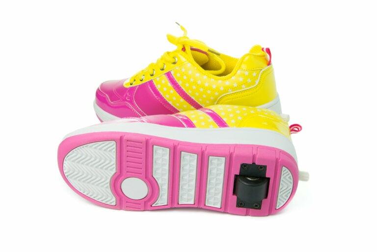 Precauciones con las zapatillas con ruedas: no son un calzado