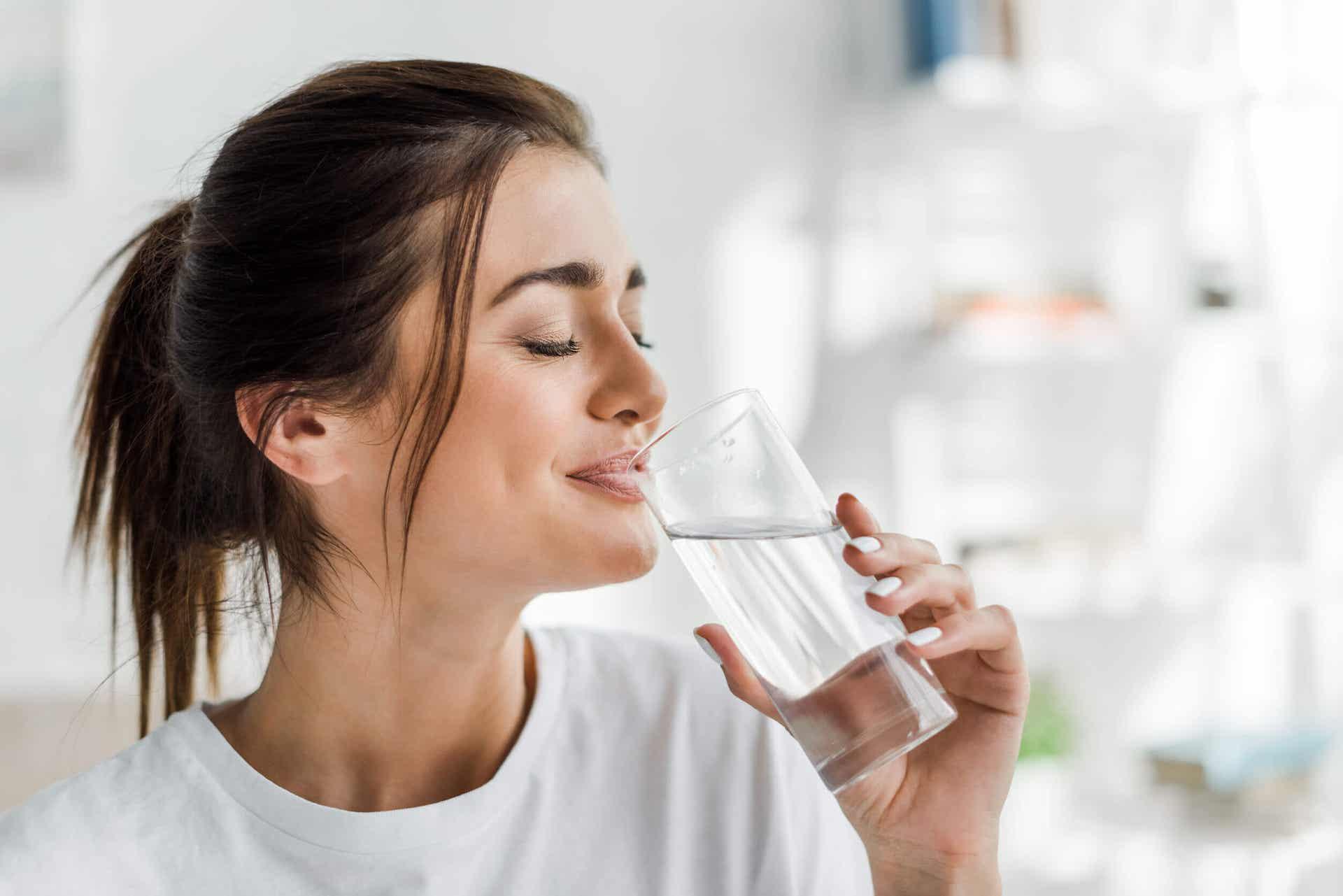 Combate la celulitis tomando agua.