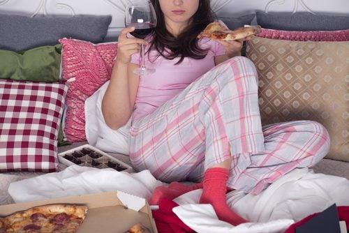 El-aburrimiento-es-una-de-las-razones-para-comer-impulsivamente