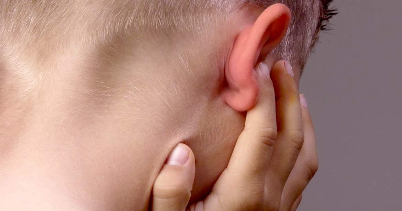 ¿Por qué nuestros oídos producen cera?¿Cómo lo hacen?
