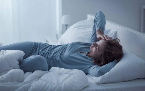 Esclerosis múltiple: 14 signos de alarma que debes conocer