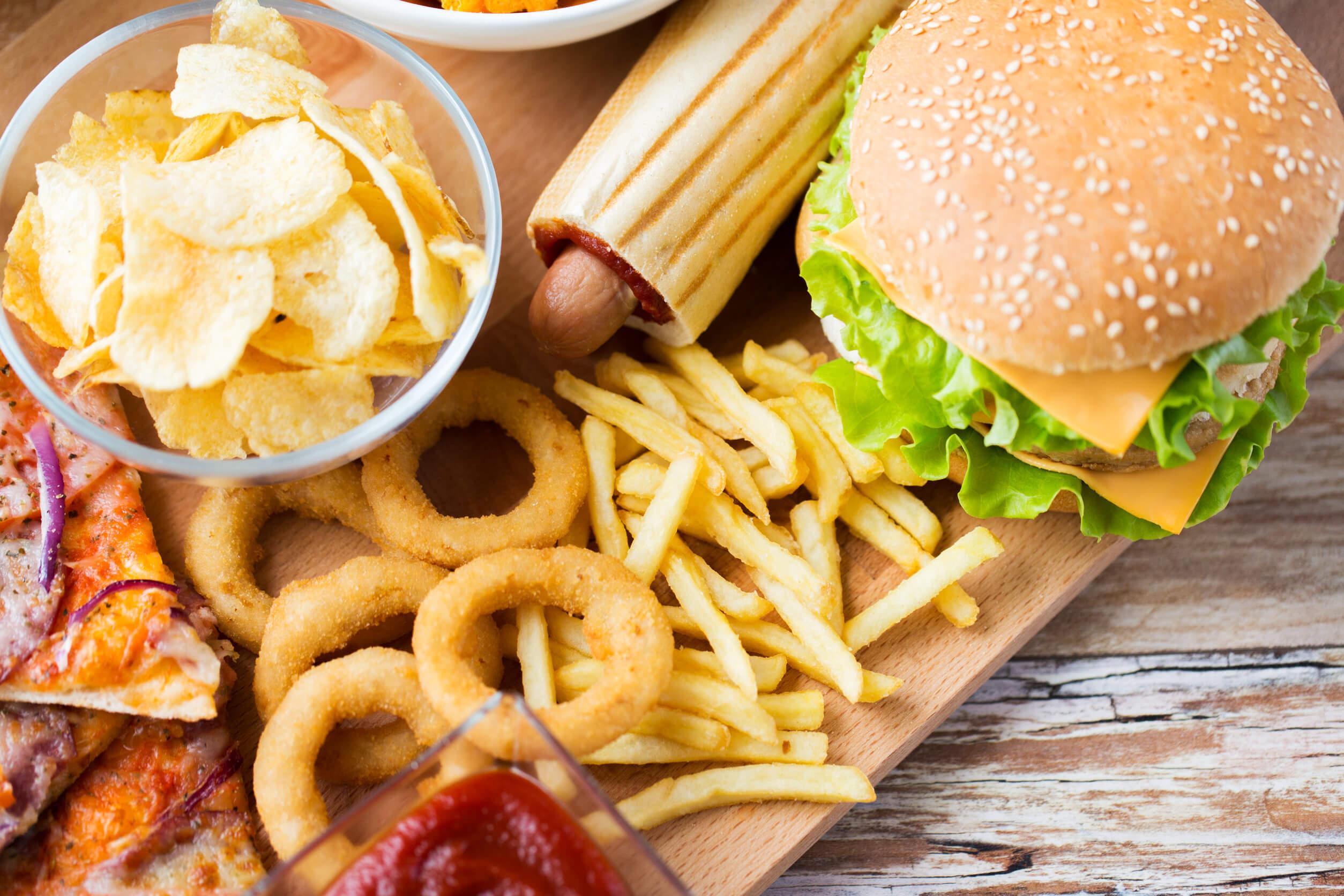 Cómo cambia tu cerebro cuando comes comida chatarra